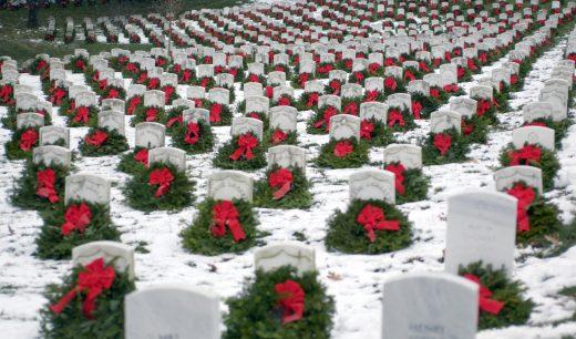 Wreaths Across America graves