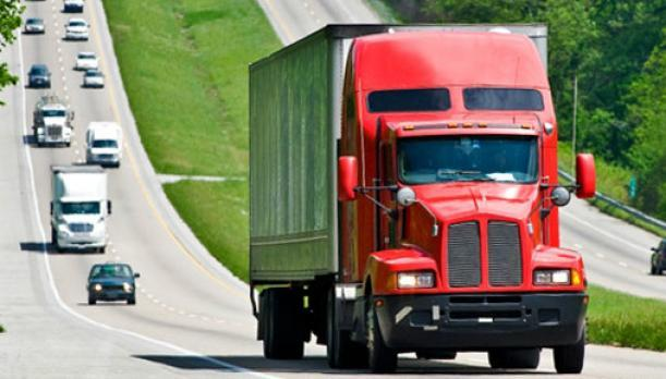 Semi Truck Trailer on Highway, Class B CDL to Class A CDL, Driver Training Regulations, FMCSA Relaxes License Upgrades