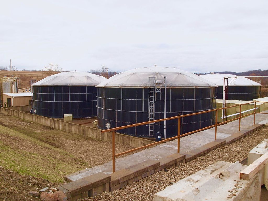 400,000 gallon leachate processing / equalization or storage tanks at Seneca Landfill