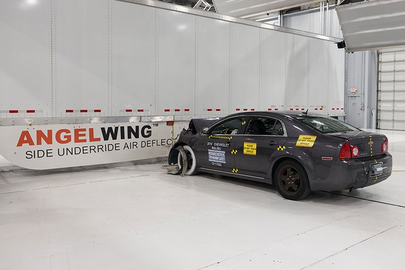 The Insurance Institute for Highway Safety conducts a crash test with an AngelWing side underride protection device from Airflow Deflector Inc. (Photo: IIHS)