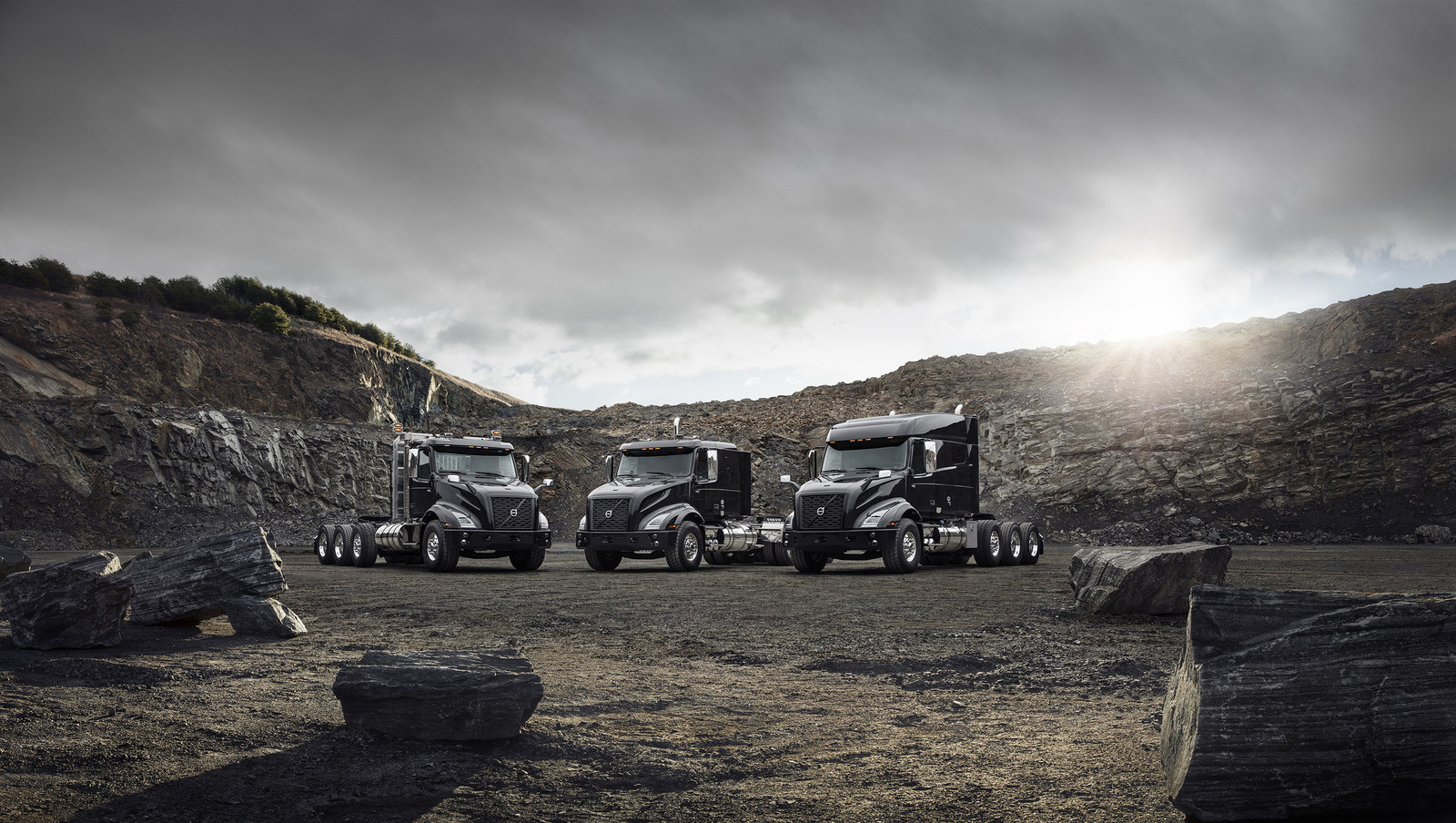 Volvo introduces heavy-haul tractor, VNX heavy-haul tractor model Groupshot