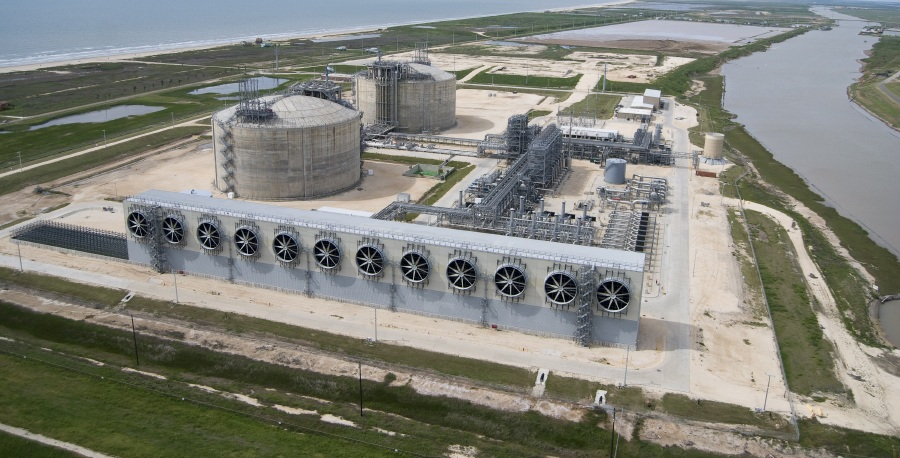 Freeport LNG Project. Surging production US LNG, US LNG industry, struggling markets lng