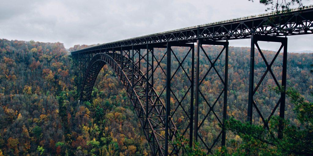 Fayetteville, United States, Old steel bridge,