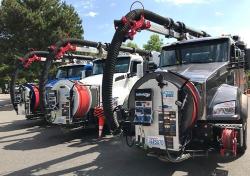 City of Kirkland Kenworth T880 Lineup, City Using Vacuum Trucks for Flooding
